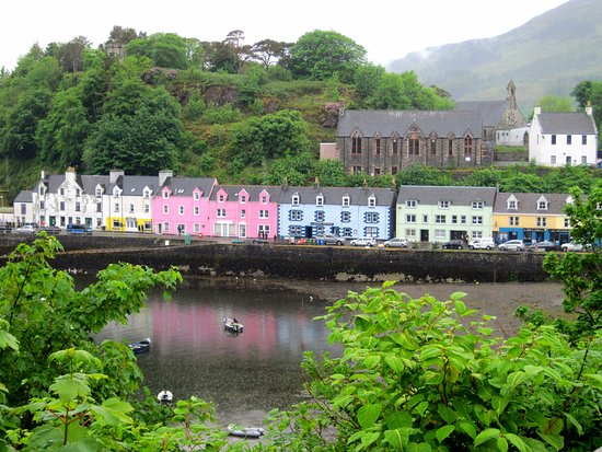 pastel cottages Isle of Skye